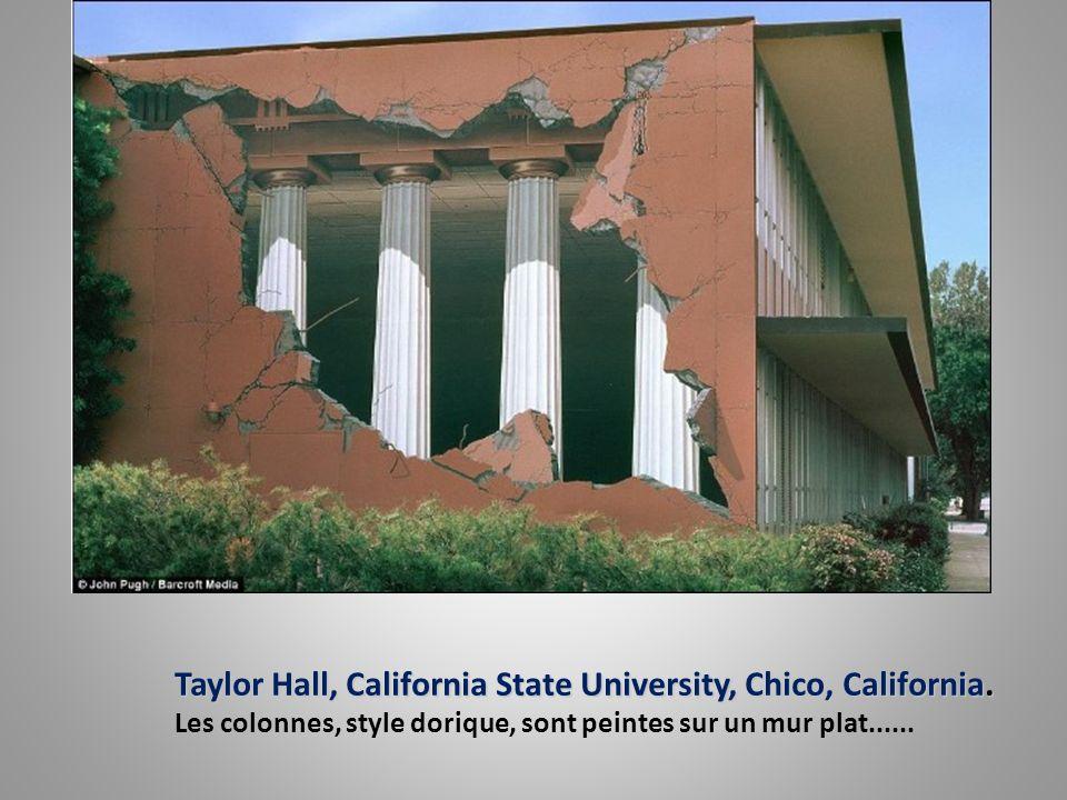 Main Street, Los Gatos, California. Main Street, Los Gatos, California. Tout ce que vous voyez est peint sur un mur ! Même la femme qui jette un coup