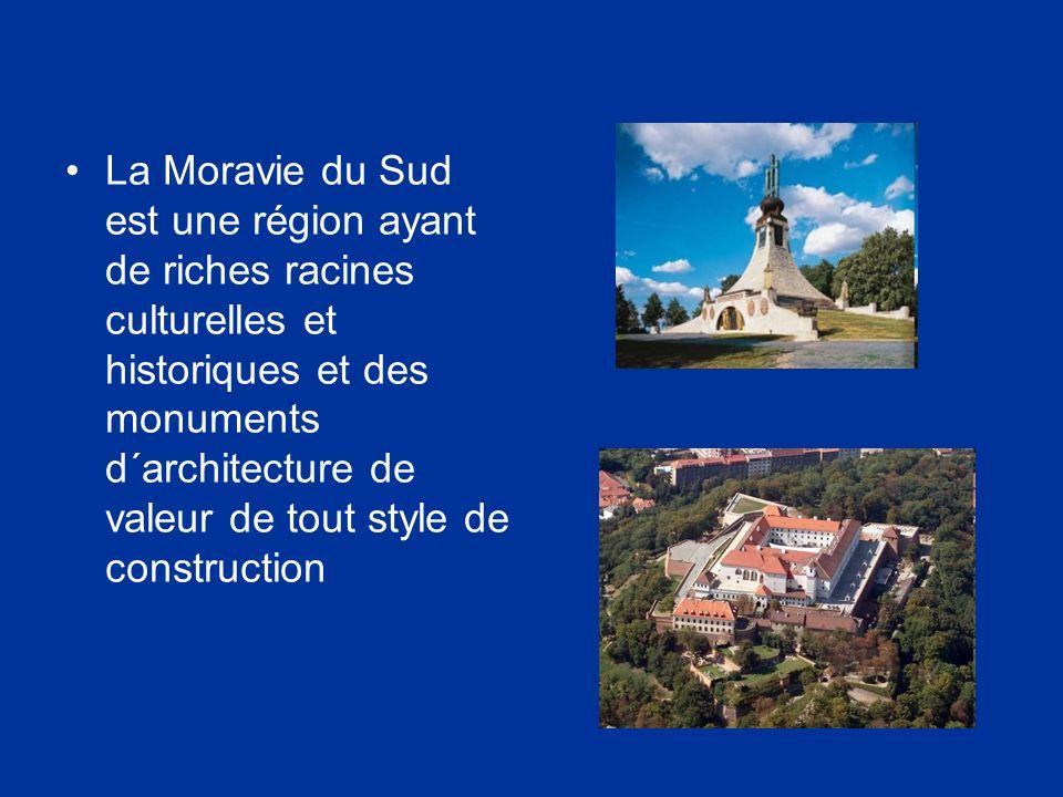 La Moravie du Sud est une région ayant de riches racines culturelles et historiques et des monuments d´architecture de valeur de tout style de constru