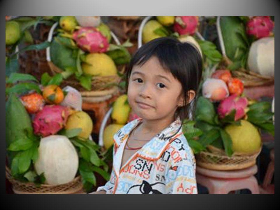 Heureux sont les pays où les enfants sourient encore naturellement, interrogateurs sur une vie qui souvre et soffre à eux..