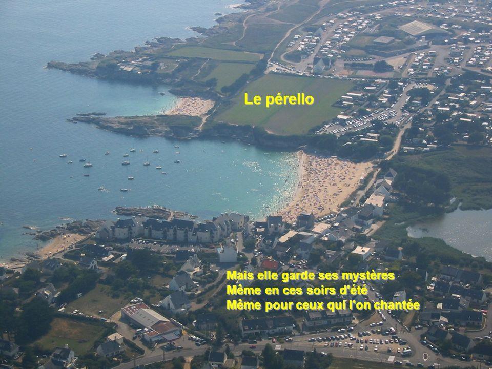 Et j'ai pleuré mille manières Désespéré, abasourdi, face à la mer Devant les portes de la nuit vue sur l'ile de Groix vue sur l'ile de Groix