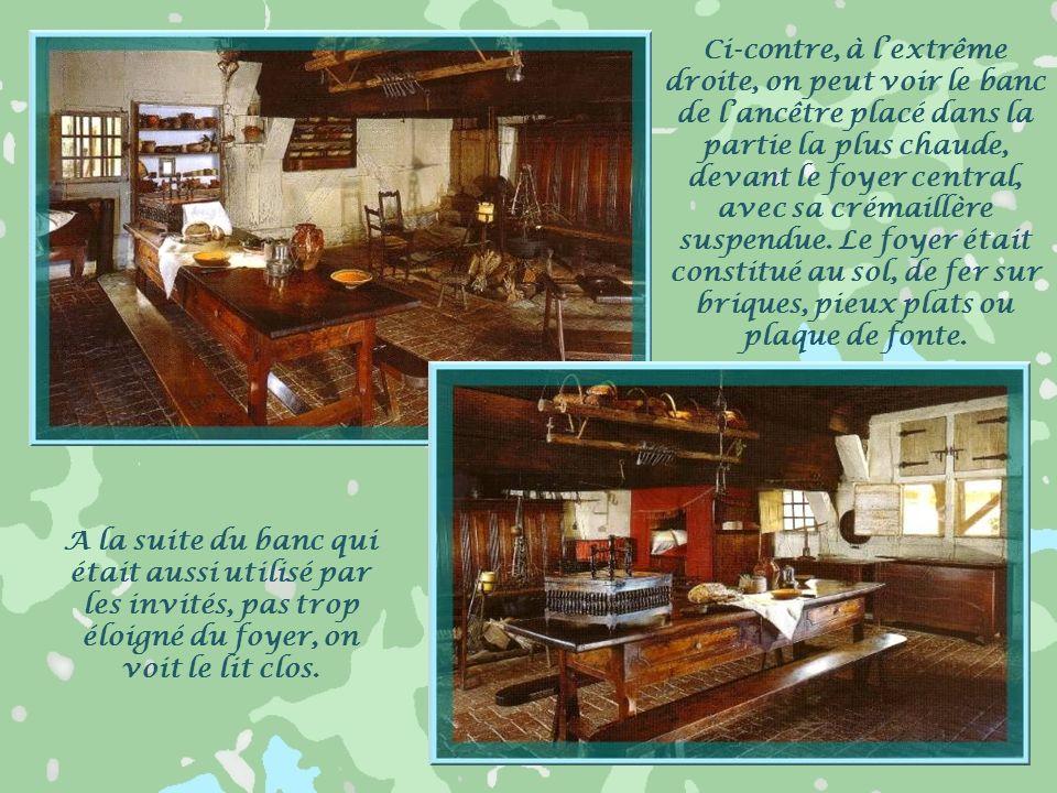 Avant de pénétrer à lintérieur, quelques mots concernant les fameuses cheminées sarrasines, particularité de la Bresse savoyarde. Elles apparurent dès
