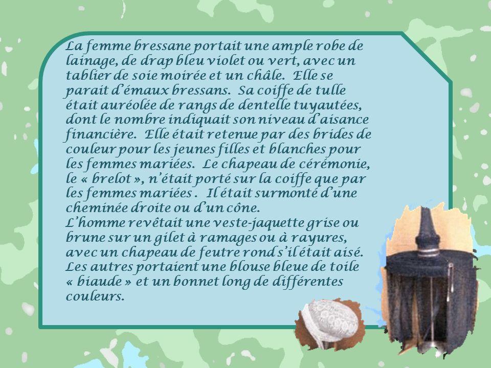 Costume du poulardier La Confrérie du Poulardier de Bresse œuvre pour la protection et la promotion du poulet de Bresse.
