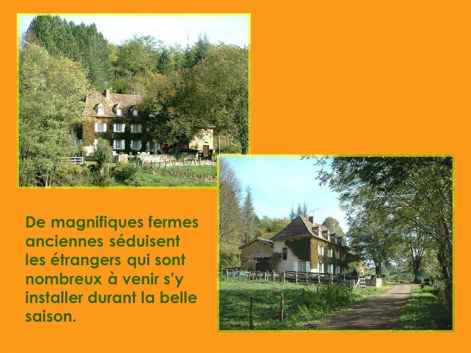 De magnifiques fermes anciennes séduisent les étrangers qui sont nombreux à venir sy installer durant la belle saison.
