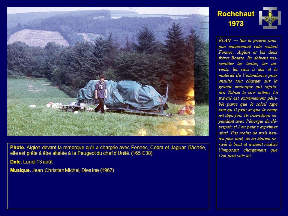 Rochehaut 1973 Photo. Jaguar et Lionceau démontent la table des Renards.