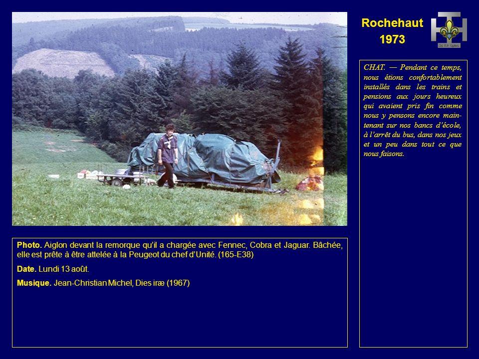 Rochehaut 1973 Photo. Aiglon devant la remorque quil a chargée avec Fennec, Cobra et Jaguar.