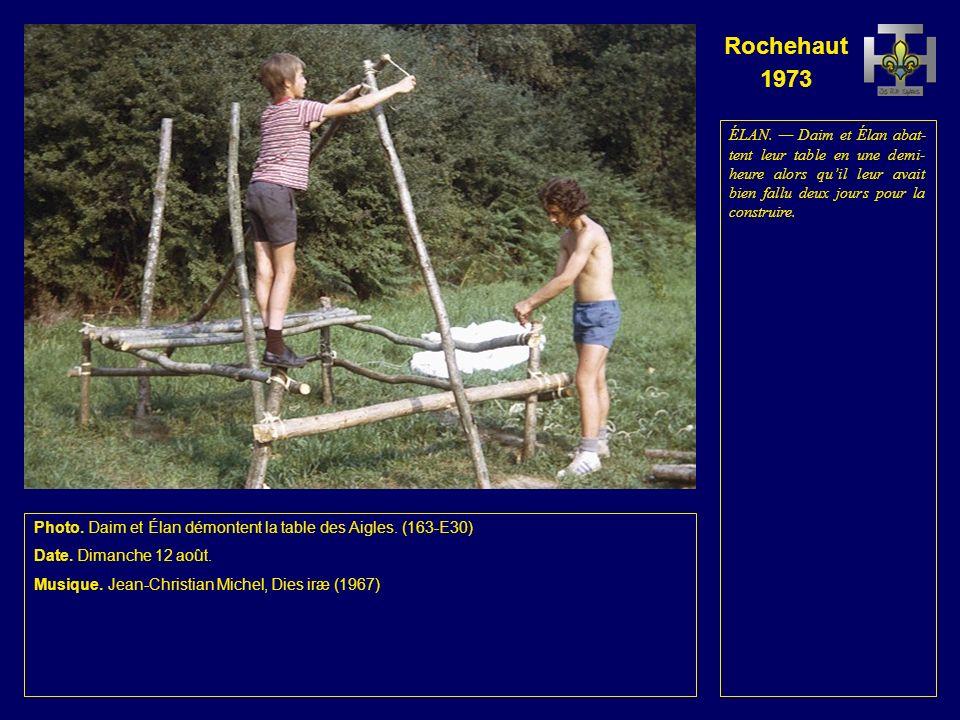 Rochehaut 1973 Photo. Fauvette finit de démonter la chapelle.