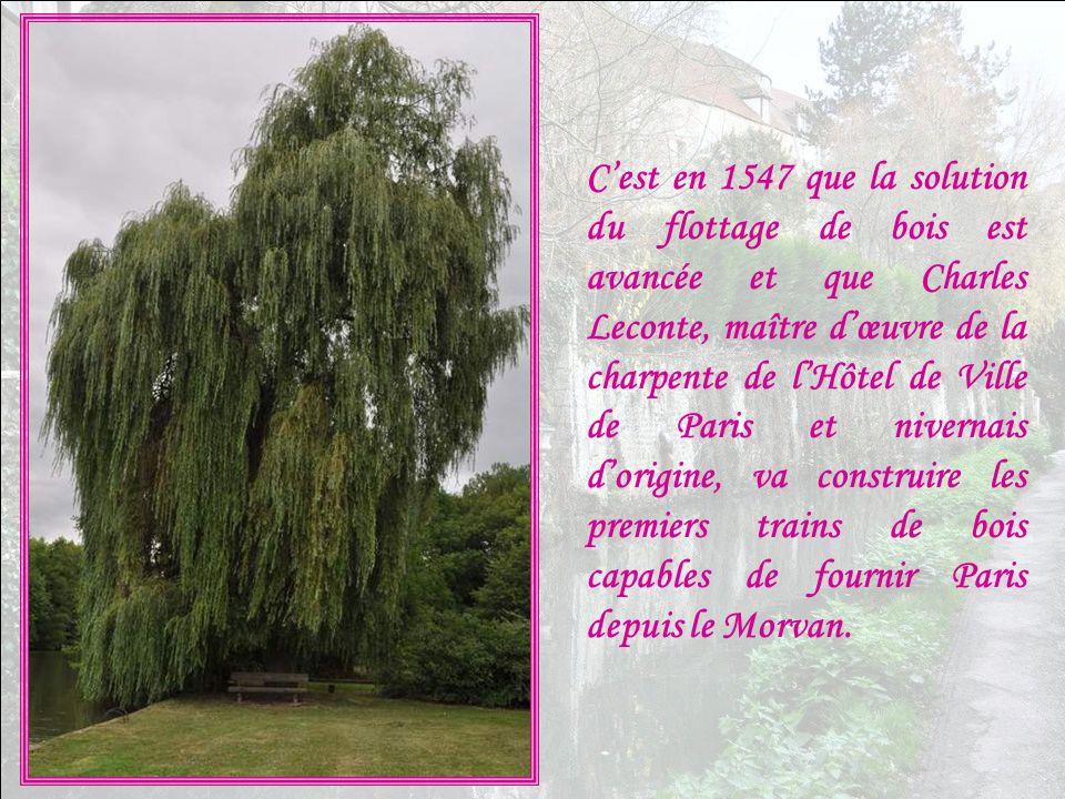 Au XVIème siècle, Paris voit son développement compromis, car les forêts avoisinantes ne permettent plus de lapprovisionner en bois de chauffe et de f