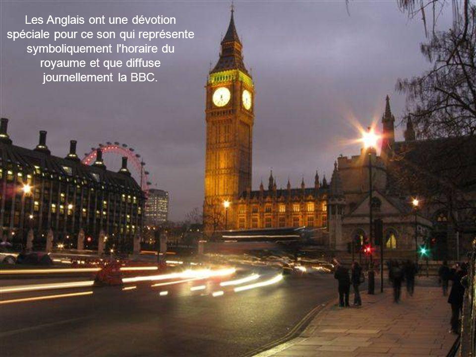 Pendant la Seconde Guerre Mondiale les bombardements ont sérieusement endommagé le Parlement mais Big Ben a été épargnée.