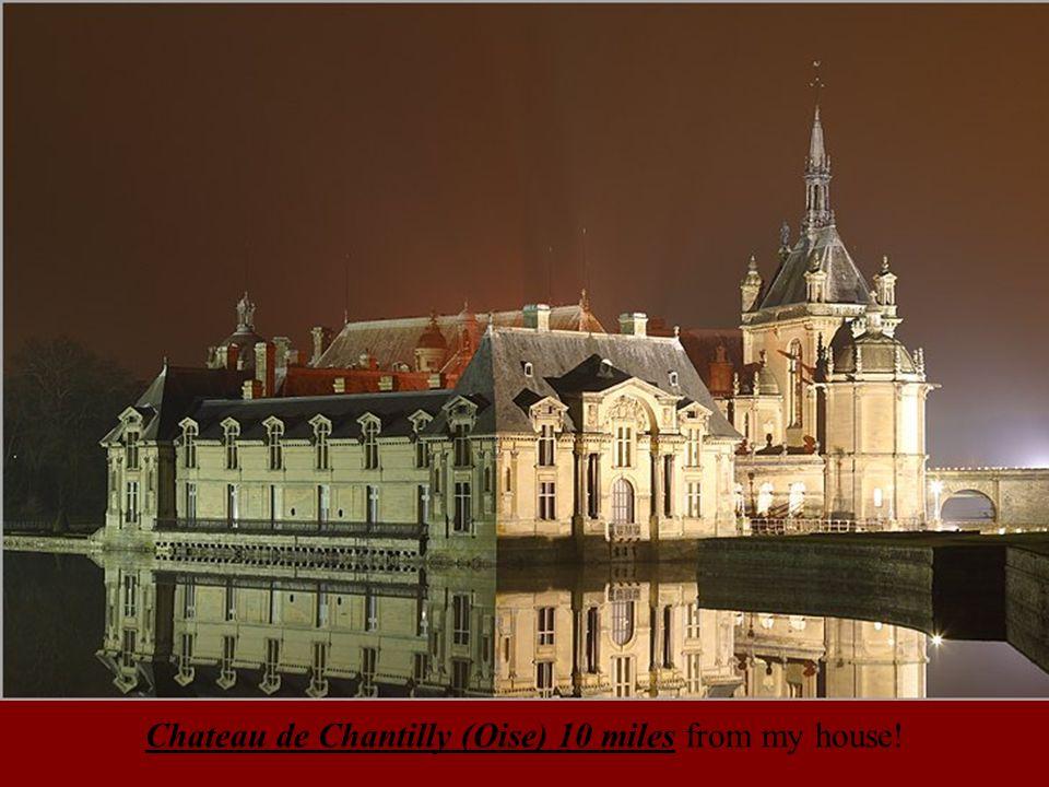 Pavillon de la cour du LouvrePortail de la cathédrale Notre-Dame (