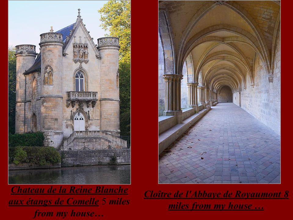 Chapelle rayonnante de la Cathédrale de Bourges Horloge astronomique de la Cathédrale de Bourges