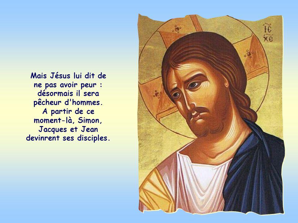 Simon, très surpris, comme Jacques et Jean, ses compagnons, se jeta alors aux pieds de Jésus en le priant de s'éloigner du pécheur qu'il était.