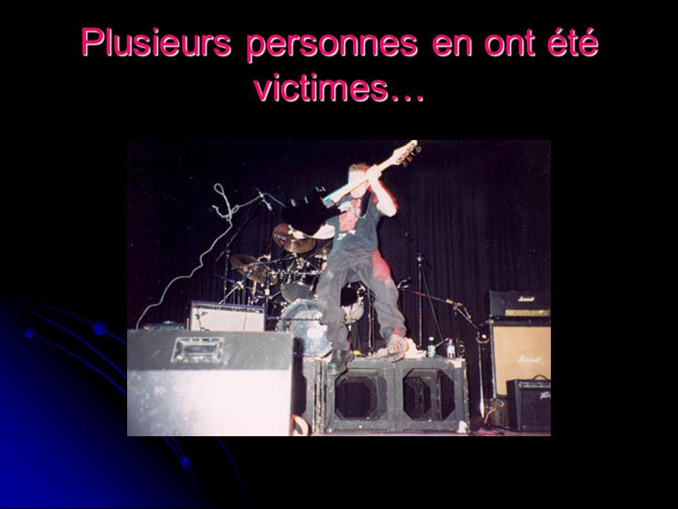 Après quelques années, un changement important à eu lieu Yves Jr Beauchesne remplace Éric Julien à la basse…