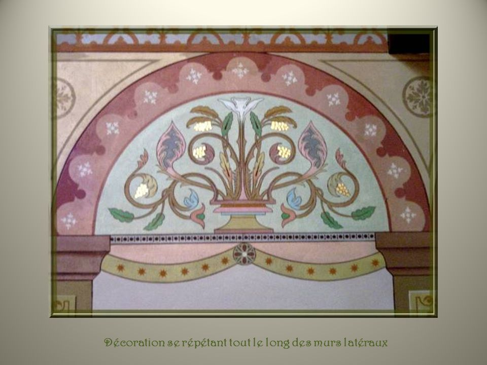 Enfin, ceux-ci sont pratiquement cachés dans les recoins des chapelles qui constituent le transept. Celui de gauche, très élégant, dans la chapelle de