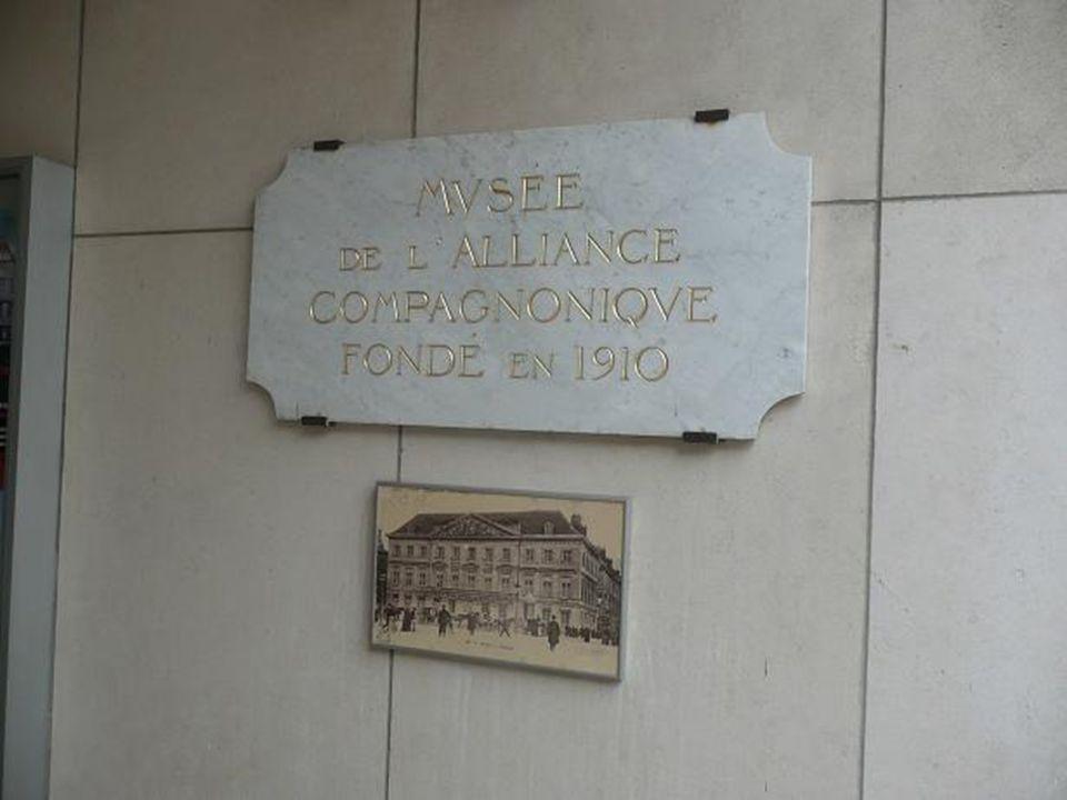 Charpente « Musseau » Réalisé pour le 22ème concours des Meilleurs Ouvriers de France (2004), « Tourangeau lAmi du Trait », Compagnon charpentier des Devoirs.