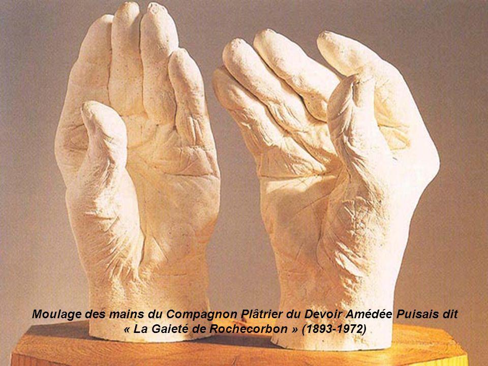 Moulage des mains du Compagnon Plâtrier du Devoir Amédée Puisais dit « La Gaieté de Rochecorbon » (1893-1972)
