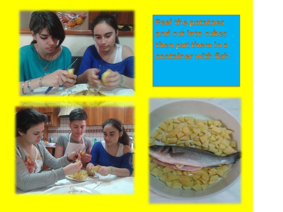 - A raw sea bream - Potatoes - Oil - Sale - Lemon - A raw sea bream - Potatoes - Oil - Sale - Lemon