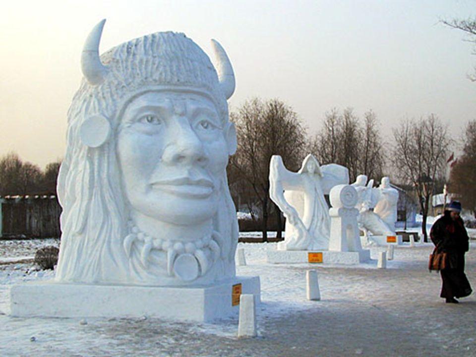 J'ai été surpris par une une sculpture d'un indien originaire d'Amérique du Nord et dans le nord de la Chine. La figure a été construit par une équipe