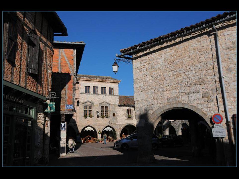 Blason de Castelnau-de-Montmiral