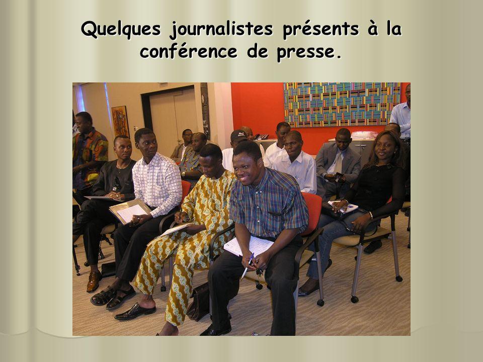 Quelques journalistes présents à la conférence de presse.