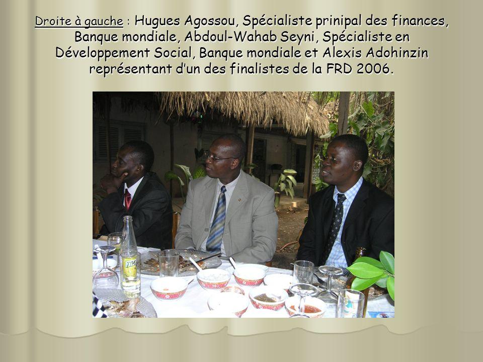 Droite à gauche : Hugues Agossou, Spécialiste prinipal des finances, Banque mondiale, Abdoul-Wahab Seyni, Spécialiste en Développement Social, Banque mondiale et Alexis Adohinzin représentant dun des finalistes de la FRD 2006.