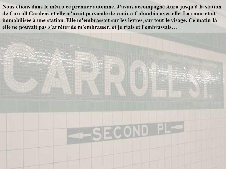 Au cours de notre précédent séjour à Paris, qui avait été court juste deux jours, parce que je n y étais venu que pour la promotion d un livre j avais passé quatre heures à suivre Aura dans la boutique Sephora des Champs-Élysées.