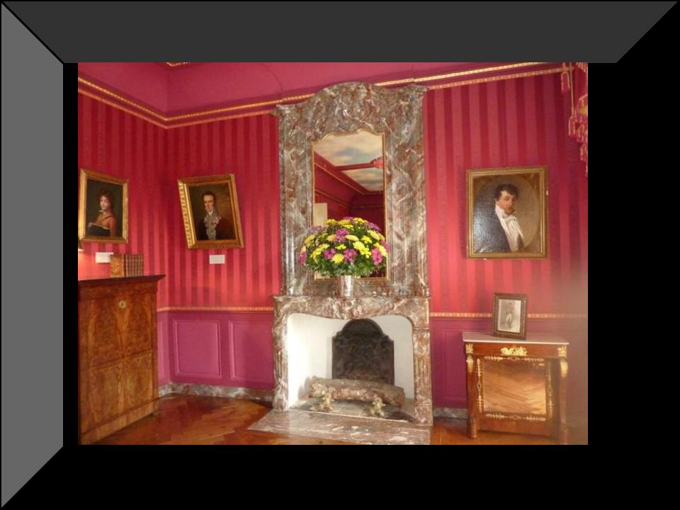 La chambre du prince Jérôme frère benjamin de napoléon Il fut le propriétaire pendant quelques années sous lempire