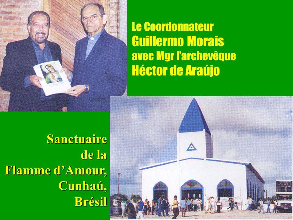 27 Le Coordonnateur Guillermo Morais avec Mgr larchevêque Héctor de AraújoSanctuaire de la Flamme dAmour, Cunhaú,Brésil