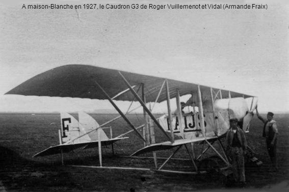Le deux chevilles ouvrières de lAéro-club dAlgérie : le chef-mécanicien Jean-Marie Fraix et Henri Ferraris, ancien pilote de guerre, chef-pilote de 1933 à 1956 (Armande Fraix)