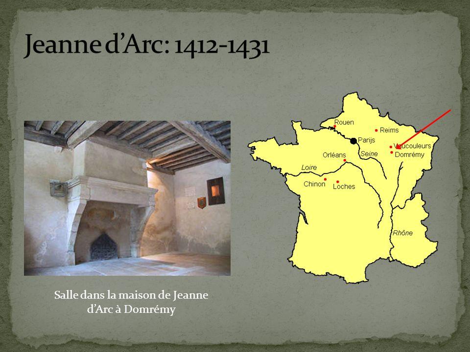 Salle dans la maison de Jeanne dArc à Domrémy