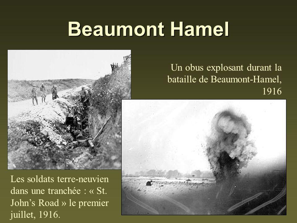 Beaumont Hamel Les soldats terre-neuvien dans une tranchée : « St. Johns Road » le premier juillet, 1916. Un obus explosant durant la bataille de Beau