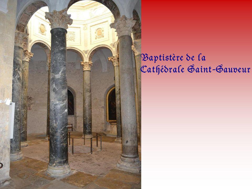 Sarcophage de Saint-Mitre.