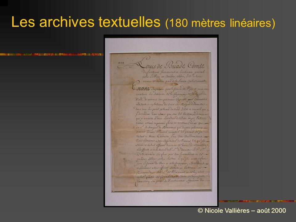 Les archives textuelles (180 mètres linéaires) © Nicole Vallières – août 2000