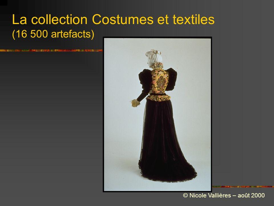La collection Costumes et textiles (16 500 artefacts) © Nicole Vallières – août 2000