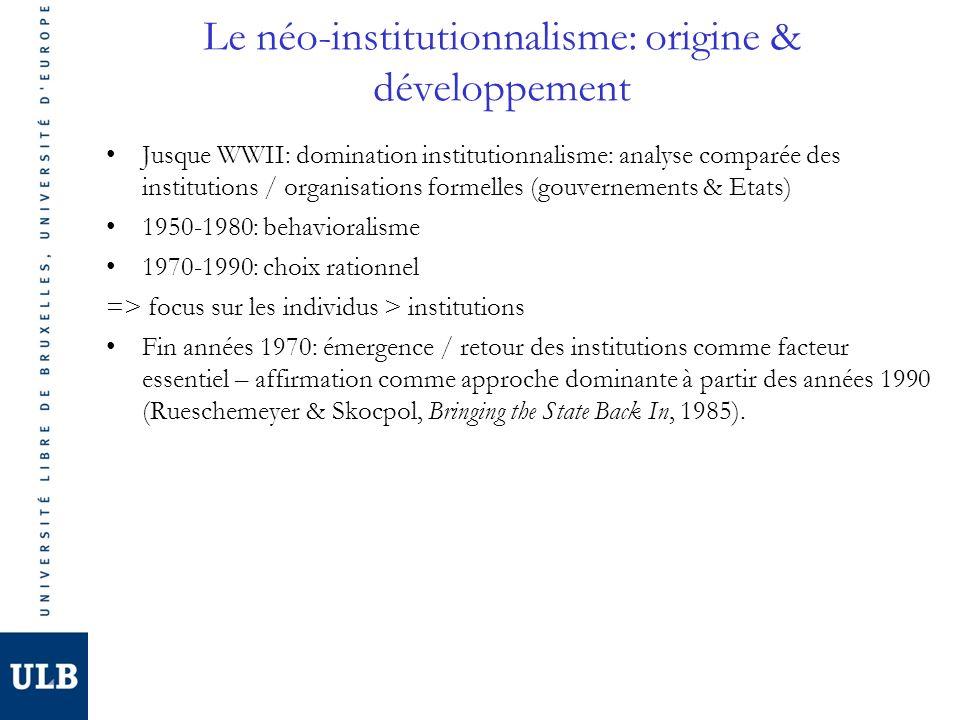 Linstitutionnalisme sociologique Origine Fin années 1970: théorie des organisations Néo-institutionnalistes: forme des organisation pas liée à une rationalité transcendante (efficacité) mais à des pratiques culturelles Expliquer pq les organisations adoptent formes/procédures/symboles (isomorphisme) Caractéristiques spécifiques 1.Définition institution globale: règles, procédures, normes, symboles, schémas cognitifs, modèles moraux, etc.