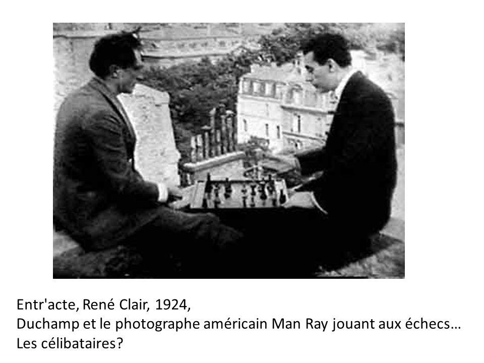 Entr'acte, René Clair, 1924, Duchamp et le photographe américain Man Ray jouant aux échecs… Les célibataires?