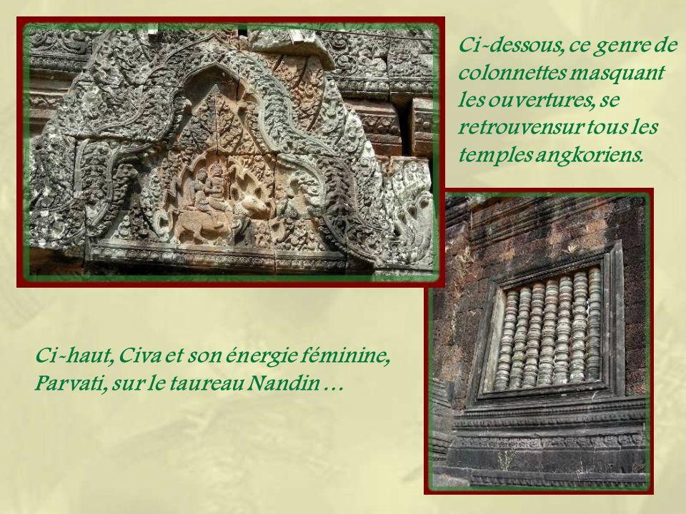Le lieu récupéré par les Bouddhistes au XVIe siècle reste sacré et on y trouve les vendeuses doffrandes.