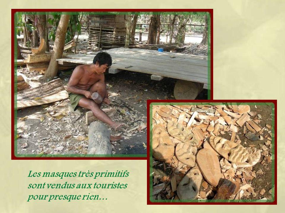 La maison commune du village où se pratiquent les rites animistes.