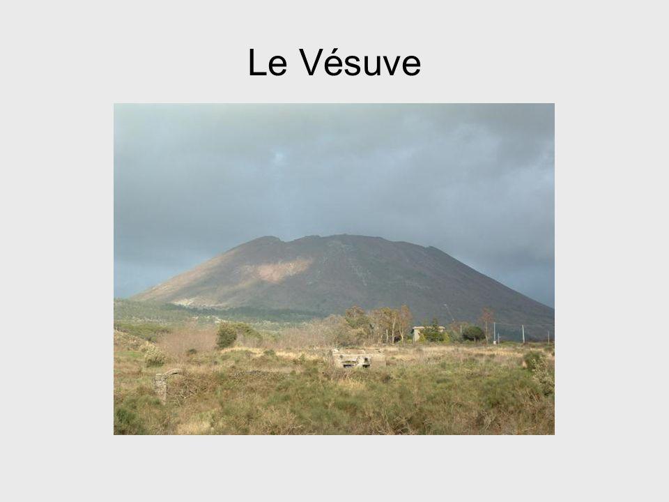 Reconstitution de léruption du Vésuve en 79 après Jésus- Christ.