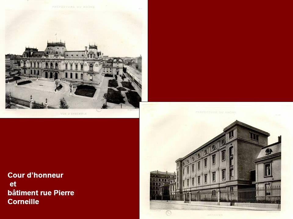 Cour dhonneur et bâtiment rue Pierre Corneille