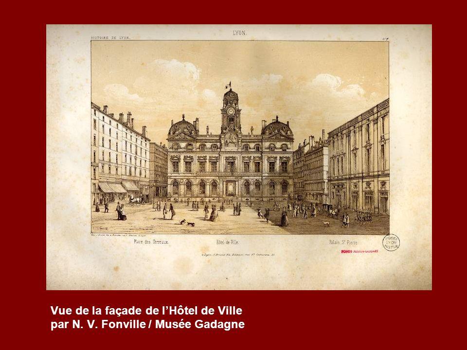 Vue de la façade de lHôtel de Ville par N. V. Fonville / Musée Gadagne