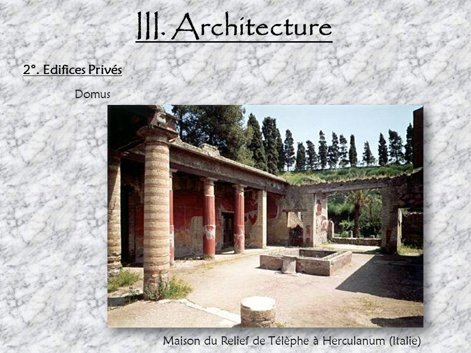 III.Architecture a.Edifices publics: thermes Les thermes sont composés de quatre grandes zones : -La palestre : une piscine et un jardin - Le frigidarium : ce sont les bains froids - Le tepidarium : ce sont les bains tièdes, - Le caldarium, composé de deux parties : les bains chauds et le laconium, appelé aujourdhui sauna.