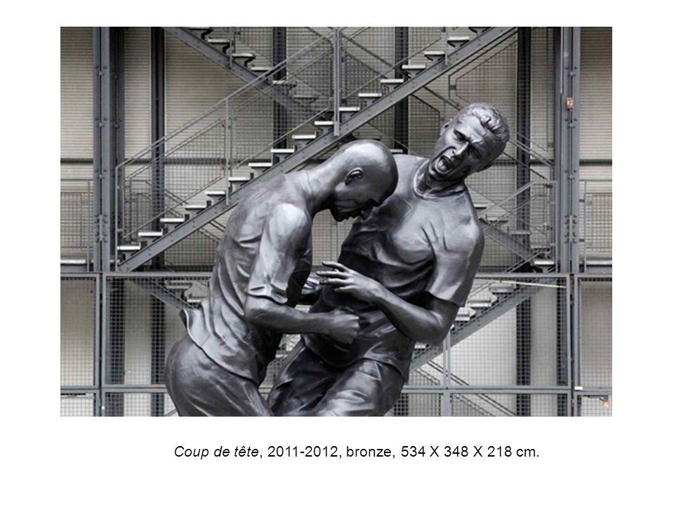 Coup de tête, 2011-2012, bronze, 534 X 348 X 218 cm.