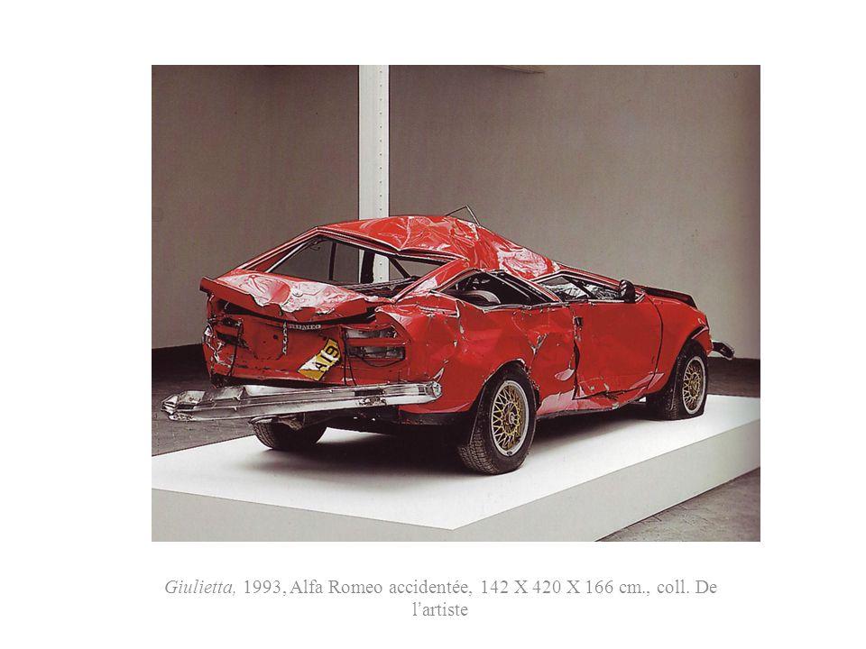 Giulietta, 1993, Alfa Romeo accidentée, 142 X 420 X 166 cm., coll. De l artiste