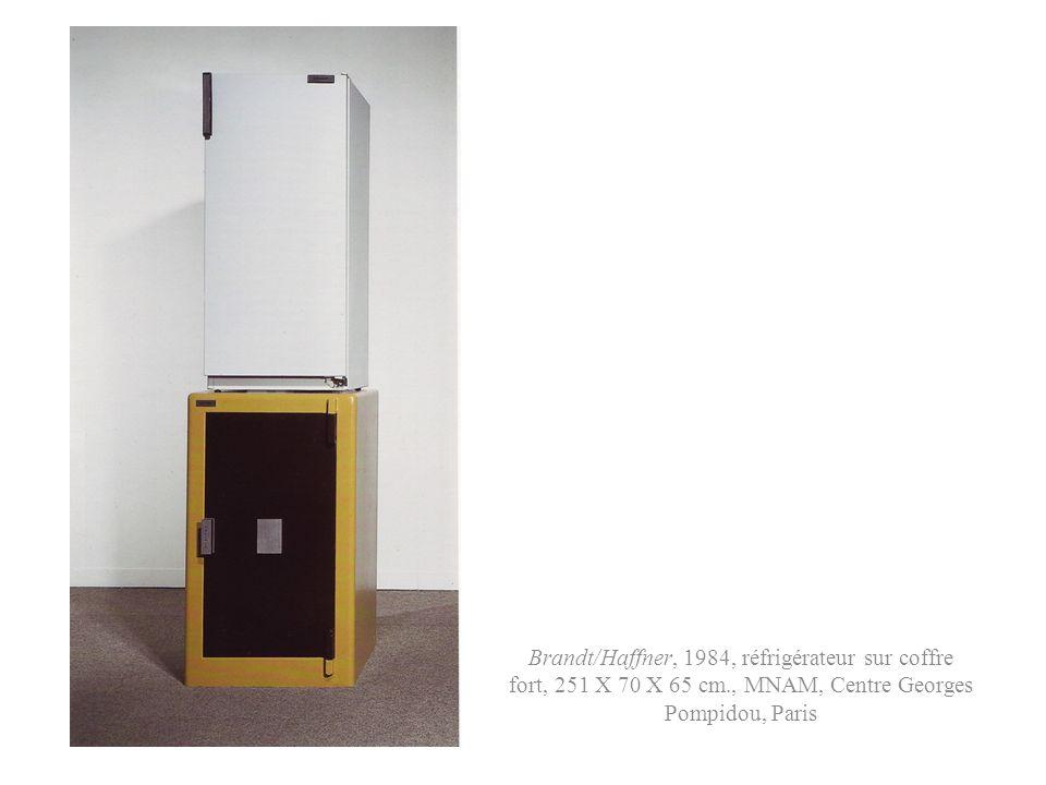 Brandt/Haffner, 1984, réfrigérateur sur coffre fort, 251 X 70 X 65 cm., MNAM, Centre Georges Pompidou, Paris
