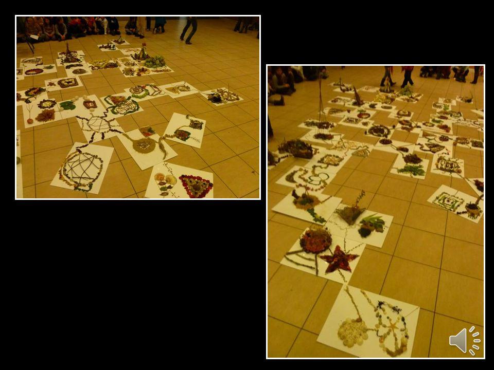 Admirer linstallation éphémère ainsi obtenue. Les élèves ont relevé le Défi Art !