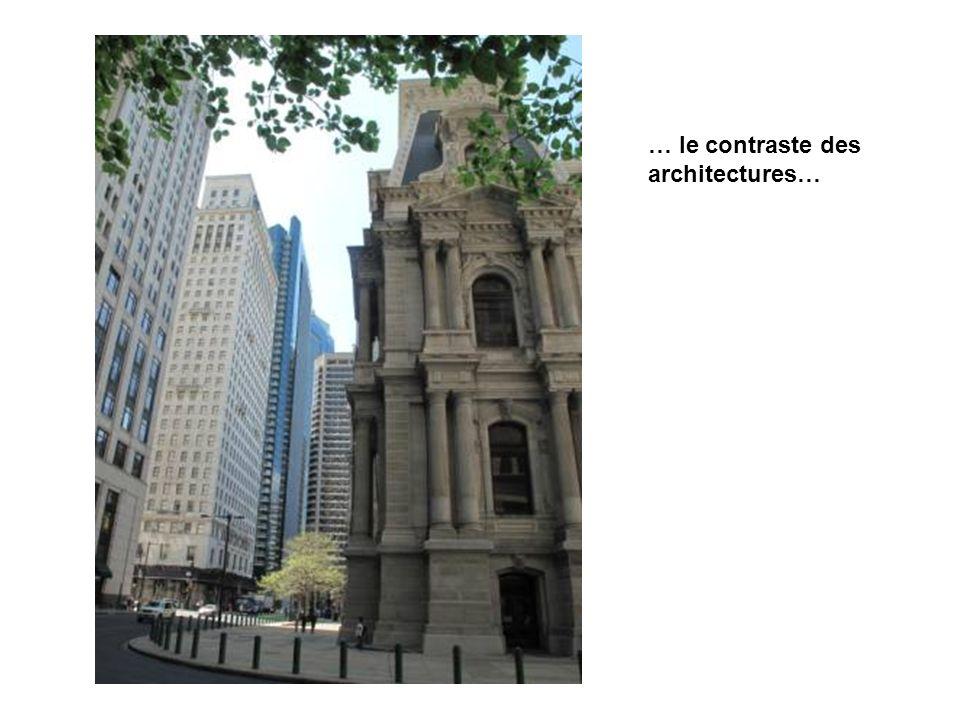 … le contraste des architectures…