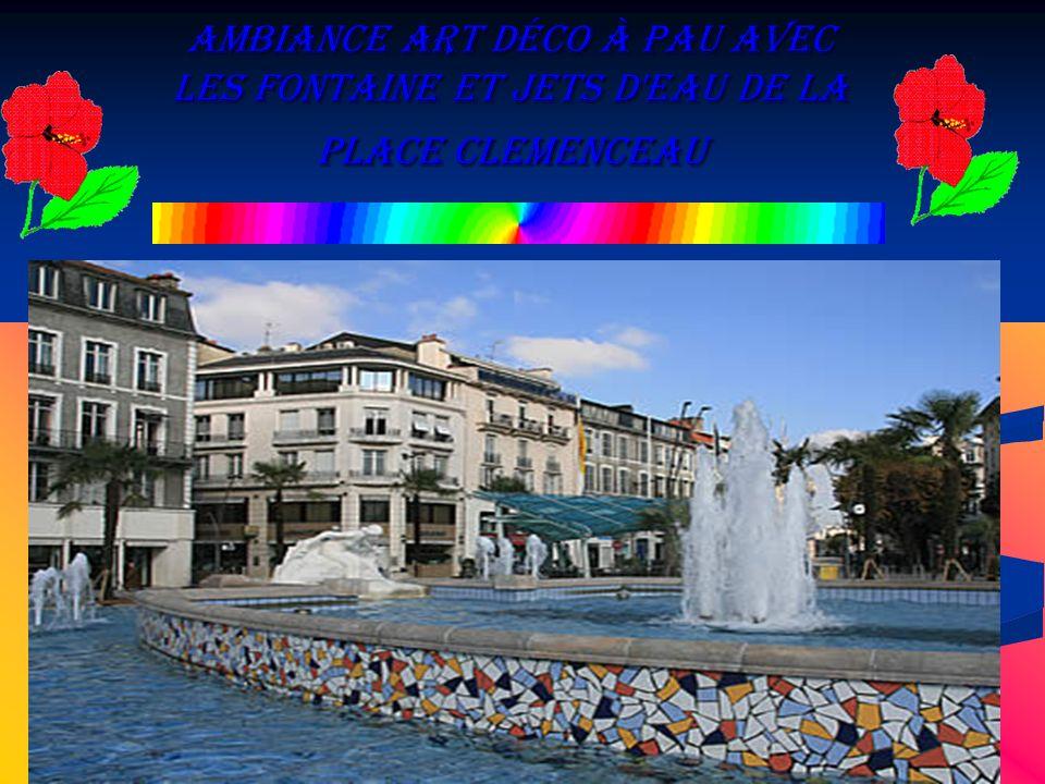 Ambiance Art Déco à Pau avec les fontaine et jets d'eau de la place Clemenceau