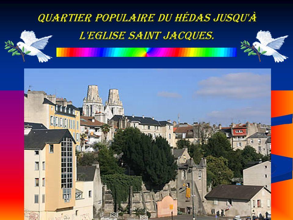 quartier populaire du Hédas jusqu'à l'Eglise Saint Jacques.