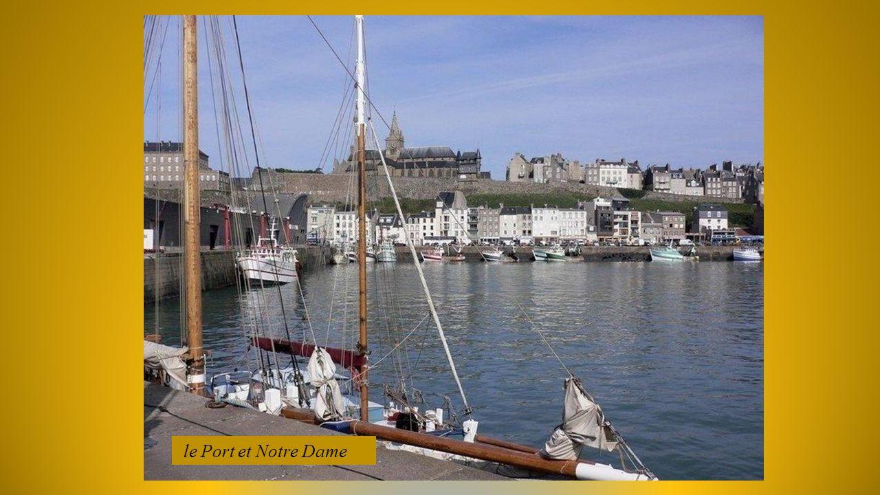 GRANVILLE (Manche) cité maritime Normande Son histoire remonte dès 1439 avec la guerre de 100ans et, linstallation des anglais désirant envahir le Mon