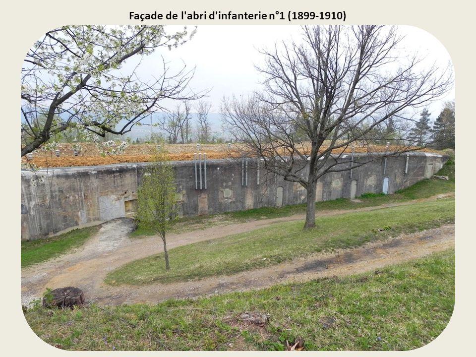 Vue extérieure d'une partie du fort.